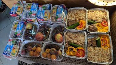 صورة بكرة أحلى.. أميرة ومحمد يدشنان مبادرة أهالينا لتوصيل الطعام لمصابى كورونا بالمنازل