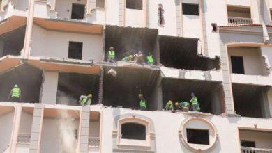 """صورة القبض علي """"صاحب أشهر برج مخالف بسوهاج"""" مختبئاً في الأسكندرية"""